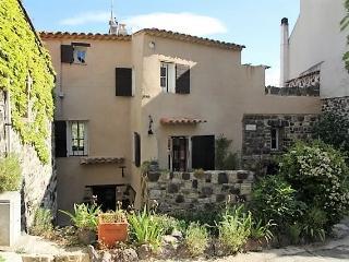 Chambre hôte  Maison Rougier Evenos médiéval - Le Beausset vacation rentals