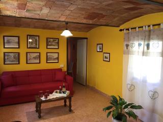 Cozy 1 bedroom Reggio Emilia House with Internet Access - Reggio Emilia vacation rentals