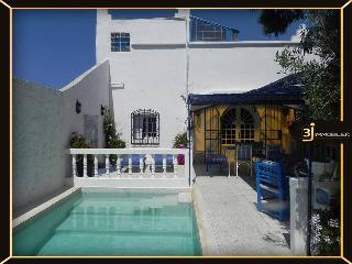Villa bleue piscine privé  jardin  fleuri Oualidia - Oualidia vacation rentals