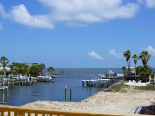 Bay Front Cottage, Huge Deck, Bring Your Kayak! - Fort Morgan vacation rentals