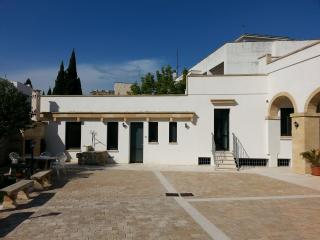 Palazzo a 10mn di Gallipoli - Parabita vacation rentals
