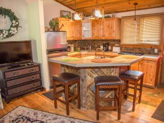 Nice Condo with Washing Machine and Fitness Room - Afton vacation rentals