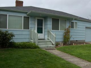 Pet Friendly Downing House...Near the Beach - Seaside vacation rentals