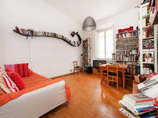 ELEGANT ACCOMODATION NEAR COLOSSEO - Rome vacation rentals