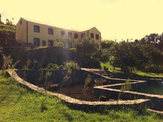 Casa Pereiros T1 | Casas da Levada - Ponta do Pargo vacation rentals