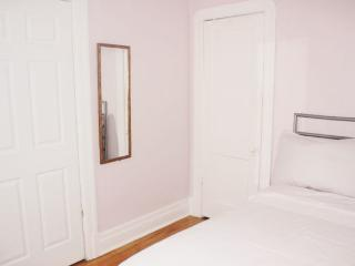 House + free room for office or workshop - Montreal vacation rentals