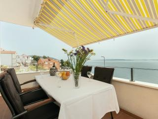 Nice Condo with Internet Access and Washing Machine - Klenovica vacation rentals