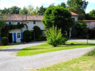 La Bodiniere-Charming gites 40 min from Puy du Fou - Moncoutant vacation rentals
