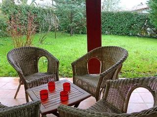 4 bedroom House with Internet Access in Saint-Pee-sur-Nivelle - Saint-Pee-sur-Nivelle vacation rentals