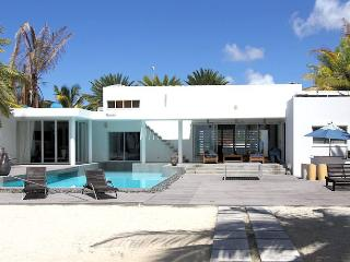 Charming House with Internet Access and Shared Outdoor Pool - Jolly Harbour vacation rentals