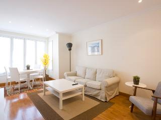 2 bedroom Condo with Kettle in San Sebastian - San Sebastian vacation rentals