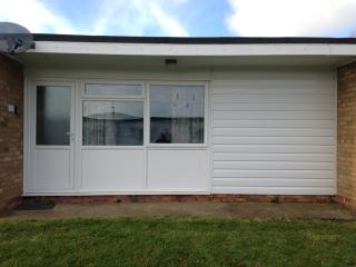 Hemsby Sunset self catering Holiday Chalet - Hemsby vacation rentals