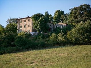 Bright 4 bedroom Condo in Pieve Santo Stefano - Pieve Santo Stefano vacation rentals