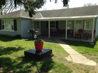 Country Ranch House near Creation Museum - Petersburg vacation rentals