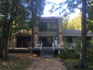 REMODELED, 250' WATERFRONT, 6 Wooded Acres, Deck - Sister Bay vacation rentals