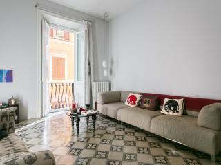 onefinestay - Via di San Martino Ai Monti private home - Rome vacation rentals