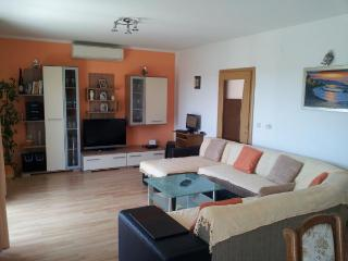 TH01731 Apartment Mira / Three bedroom A1 - Kastel Sucurac vacation rentals