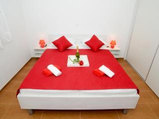 TH01300 Apartments Begonja / Two Bedrooms A5 - Privlaka vacation rentals