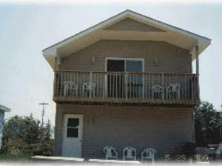 Nice Cottage with Balcony and Water Views - Sauble Beach vacation rentals