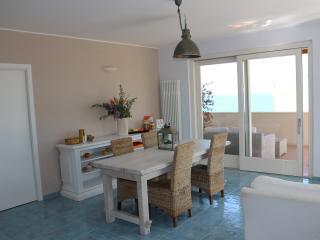 """MARE DENTRO - """"Sea Room"""" - B&B - Crotone vacation rentals"""