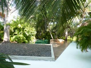 Nice House with Internet Access and A/C - Isla Baru vacation rentals