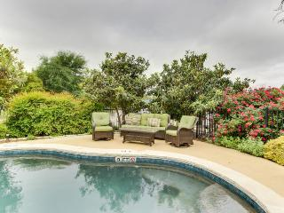 Six elegant suites w/pool & hot tub in garden courtyard! - Fredericksburg vacation rentals
