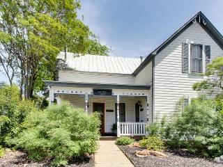Three separate suites within walking distance of Main Street! - Fredericksburg vacation rentals