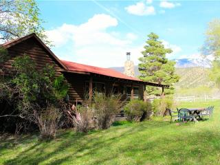 Gorgeous 3 bedroom Cabin in La Sal with Dishwasher - La Sal vacation rentals