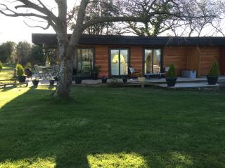 Beautiful House with Deck and Internet Access - Abergele vacation rentals