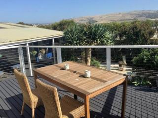 'Seagull's Nest Beach House' - Port Elliot - FOXTEL - Port Elliot vacation rentals