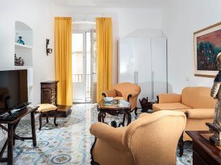 ELEGANTE SUITE  CORSO UMBERTO N 47 - Taormina vacation rentals