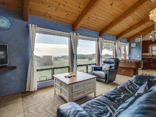 Family home with foosball, air hockey, a hot tub & deck! - Sea Ranch vacation rentals