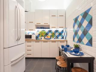 Budapesting's Astoria Residence Apartment 3Be/2Ba - Budapest vacation rentals