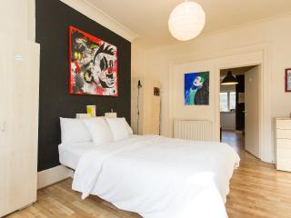 Artists' flat near Camden Market - London vacation rentals