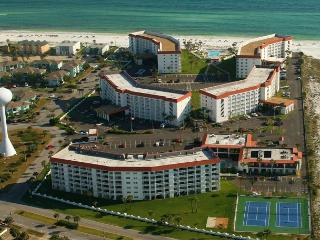 Great Two Bedroom - Check Me Out! Beach, Pool, Sauna, Tennis! - Fort Walton Beach vacation rentals