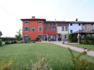 Nice Farmhouse Barn with Internet Access and A/C - Sommacampagna vacation rentals