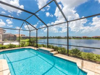Golden Sunrise House, 3 bedrooms, Private Heated Pool, SMART HDTV, Sleeps 6 - Nokomis vacation rentals