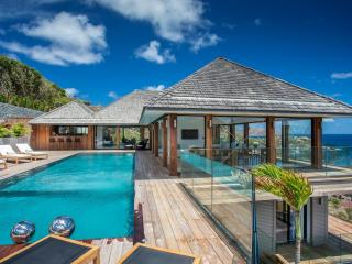 7 bedroom Villa with Internet Access in Anse Des Cayes - Anse Des Cayes vacation rentals
