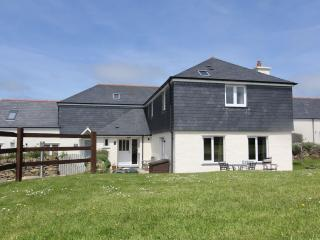 Meadow Court - A short stroll to Padstow Centre - Padstow vacation rentals