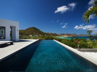 Spacious 5 bedroom Villa in Camaruche with Internet Access - Camaruche vacation rentals