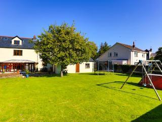 BRADIFORD ROSE COTTAGE | 5 Bedrooms - Barnstaple vacation rentals