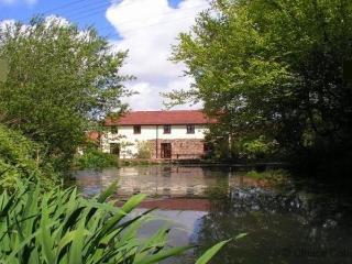 TORRINGTON OTTERS COTTAGE   2 Bedrooms - Torrington vacation rentals