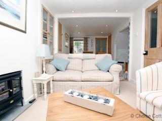 APPLEDORE ESCAPE COTTAGE | 2 Bedrooms - Appledore vacation rentals