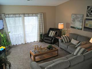 First-Class Condo Near The Strip, 2 Kings, WIFI, In/Out Pools and More, C-20 - Branson vacation rentals