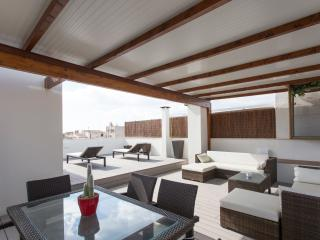 PORTO CRISTO ATTIC JACUZZI TERRACE APARTMENT - Porto Cristo vacation rentals