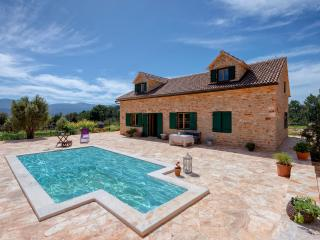 Gorgeous 5 bedroom Villa in Stari Grad - Stari Grad vacation rentals