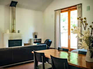 Blue beach bungalow on peaceful nut orchard - Urunga vacation rentals