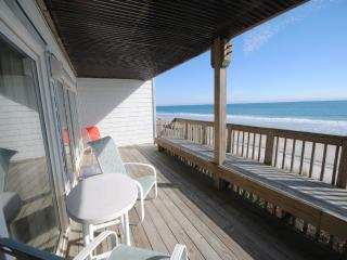 Nice Condo with Deck and Internet Access - Topsail Beach vacation rentals