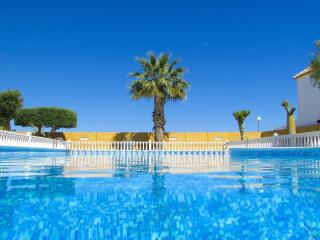 2 Bed Apartment In Torrevieja - Torrevieja vacation rentals