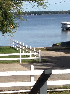 Beautiful House with Iron and Washing Machine - Houghton Lake vacation rentals